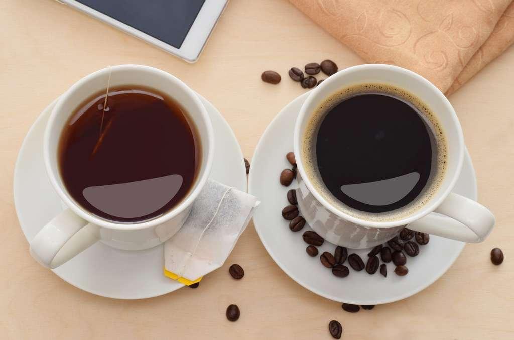 Comme le café, le thé contient de la caféine mais en moindres quantités. © igradesign, Fotolia