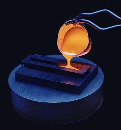 Expérimentation de vitrification au Pacific Northwest National Laboratory. La vitrification des déchets nucléaires est une méthode permettant de les neutraliser © Wikipedia
