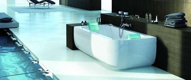 Le prix d'une baignoire balnéo dépend bien sûr de la gamme choisie... © Jacuzzi®