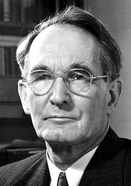 Le prix Nobel de physique 1946 Percy Williams Bridgman (1882-1961) a ouvert la voie à l'étude de la matière à haute pression à l'intérieur des planètes. Il a eu comme étudiants Robert Oppenheimer, le grand géophysicien Francis Birch et le futur prix Nobel de physique John Hasbrouck van Vleck. On le considère comme l'un des théoriciens les plus influents de l'opérationnalisme en épistémologie. © Fondation Nobel