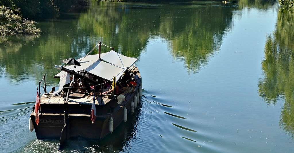 Gabare sur le fleuve Dordogne. © JLPC, CC by-sa 3.0
