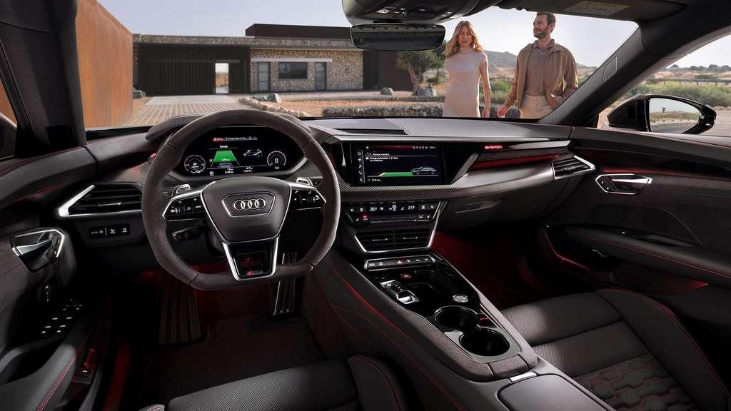 L'intérieur de l'Audi RS e-Tron GT mêle sportivité et technologie à foison. © Audi