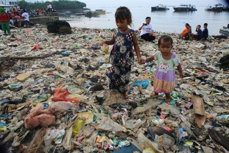 Une part importante des déchets plastiques reviendraient sur les rivages. © Perdiansyah, AFP, Archives