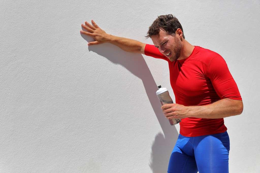 En cas d'effort intense, le corps peut perdre jusqu'à deux litres d'eau par heure. © Maridav, Adobe Stock
