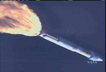 Décollage du lanceur Atlas V emportant la sonde MRO ! (crédit : NASA)