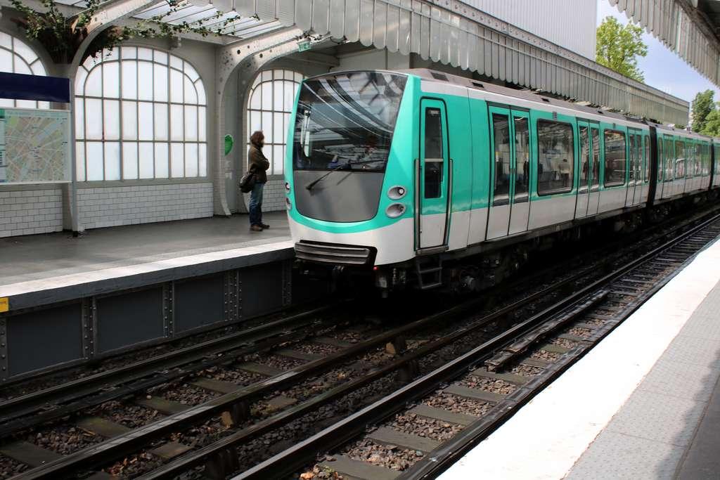 Le credo écologique de la RATP avec Faiveley Wabtec : réduire de 90 % le taux d'émission de particules fines lors du freinage de tout type de matériel roulant. © Studio Laure, Adobe Stock