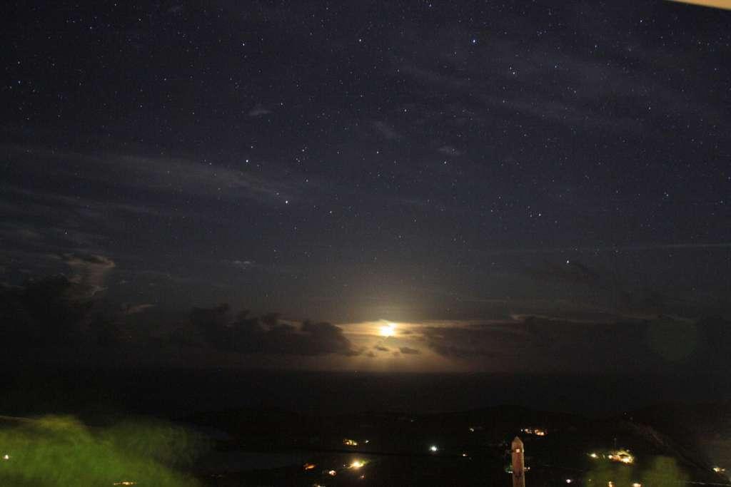 Un lever de lune sur un petit bout de paradis !