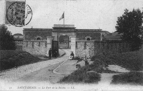 Le fort de la Briche abrite aujourd'hui la 26e compagnie d'incendie et le Centre de formation des cadres de la brigade de sapeurs-pompiers de Paris. © DP