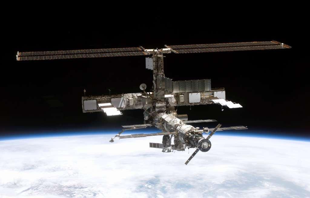 Août 2005, un Soyouz et un Progress amarré à l'ISS