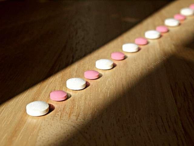 Après une chirurgie, des patients peuvent devenir dépendants à des médicaments antidouleur. L'effet placebo pourrait servir à les sevrer. © epSos.de, Flickr, CC by 2.0