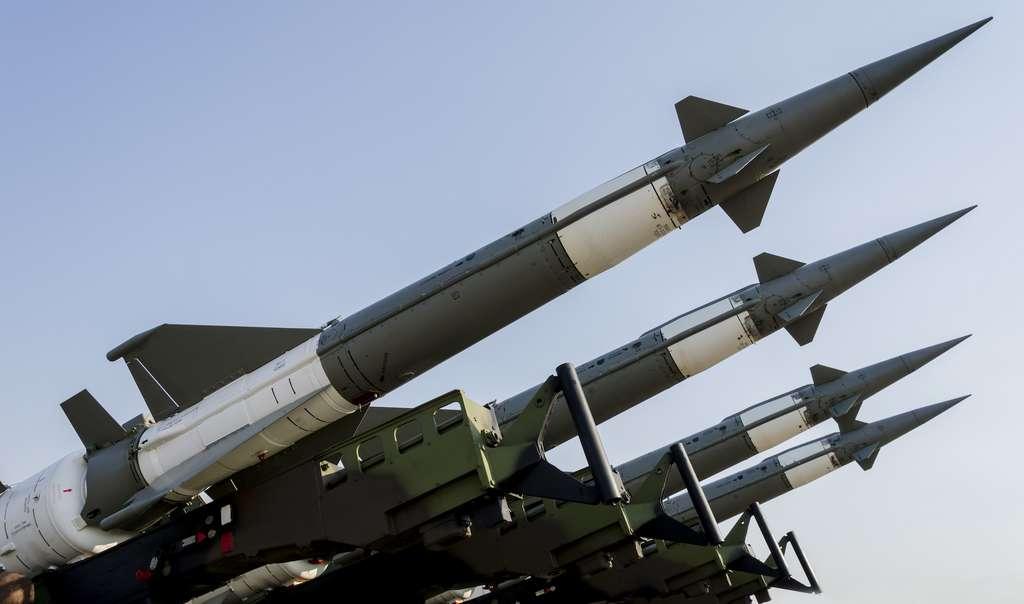 Inde et Pakistan ont environ 150 têtes nucléaires chacun dans leur arsenal, et devraient en avoir plus de 200 d'ici 2025. © Boggy, Abode Stock