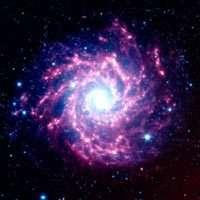 La galaxie NGC 628 est suspectée d'héberger une usine à poussières interstellaires (Crédits : NASA/JPL-Caltech/B.E.K. Sugerman (STScI))