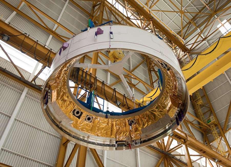 La case à équipements, véritable « boîte crânienne » abritant le cerveau électronique du lanceur Ariane 5, n'existera pas sous cette forme pour Ariane 6. © Esa, Cnes, Arianespace