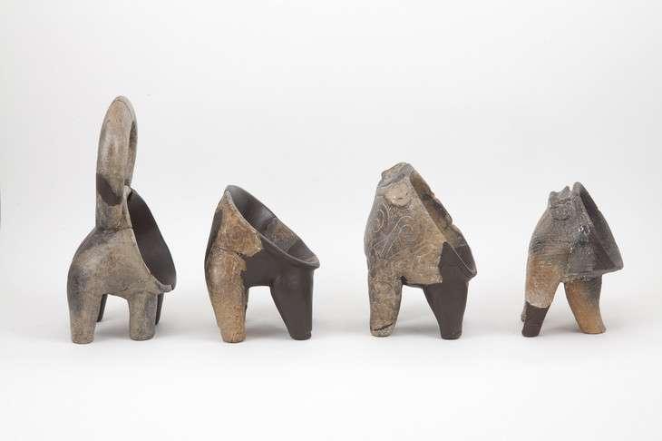 Selon les chercheurs, des poteries spécialement destinées à contenir le fromage ont rapidement été fabriquées après l'invention de ce mets à base de lait. Elles seraient caractérisées par de larges ouvertures et de vagues formes d'animaux. © Penn State University, Sibenik City Museum