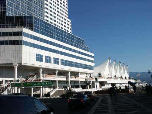 Le centre de congrès Pan Pacific accueille l'édition 2004 du Congrès International d'Astronautique. Tous droits réservés.