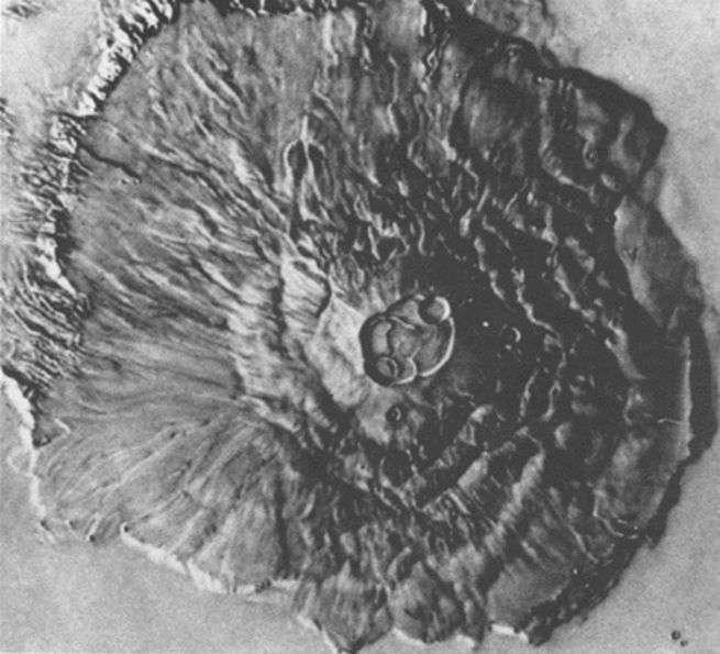 Un cratère martien capturé dans toute sa gloire par Mariner 9 © Nasa JPL