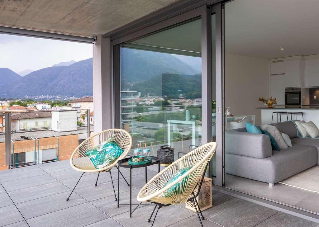Le sol choisi pour créer ou rénover une terrasse contribue au plaisir de vivre dedans-dehors. © Alexandre zveiger, Adobe Stock