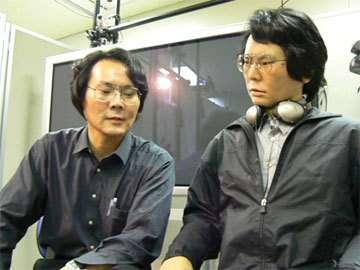 Le Docteur Ishiguro et son double l'androïde Geminoid. Crédits : http://www.digitaldj.jp