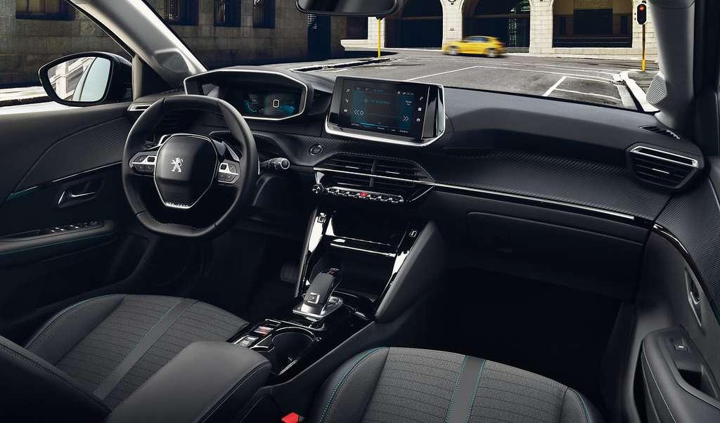 L'habitacle de la Peugeot e-208. © Peugeot