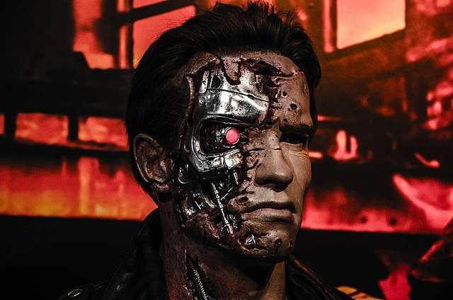 Terminator est tel que l'on peut le voir dans le film éponyme. © Daniel Jurena, Wikimedia Commons, CC by 2.0