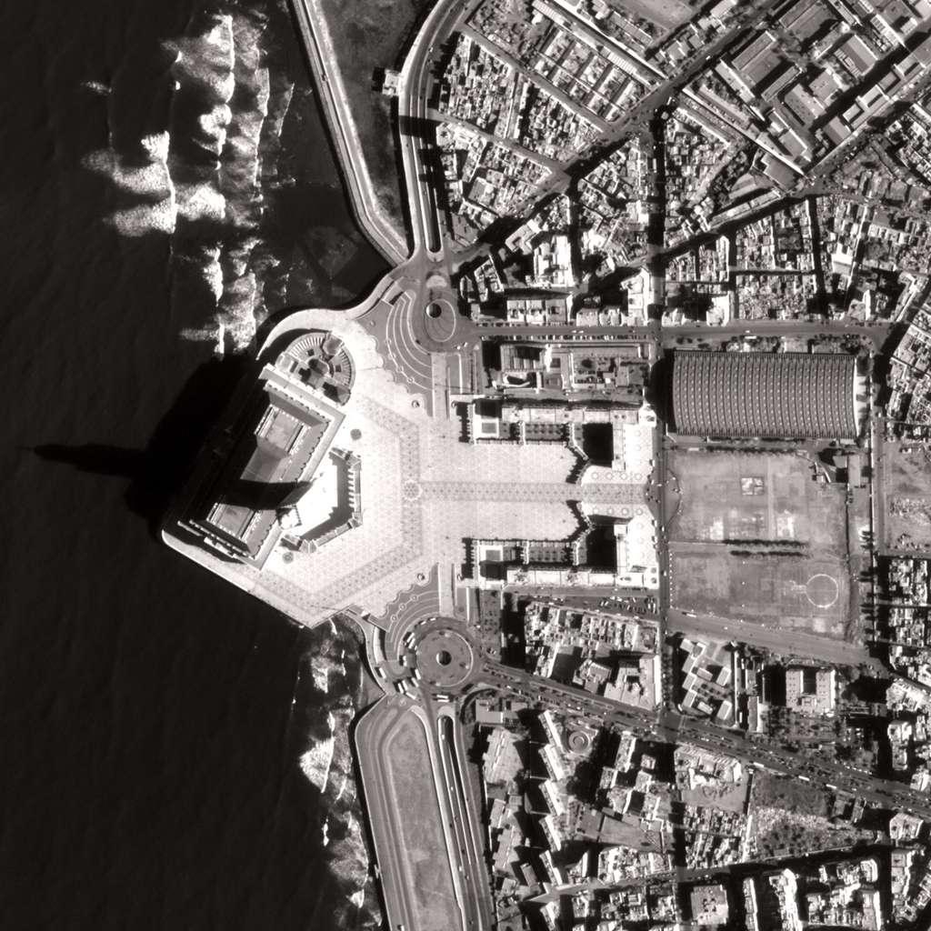 Zoom sur la Mosquée de Casablanca, au Maroc. Une image de Pléiades avec une résolution de 70 cm. © Cnes/Astrium Geo-Information Services