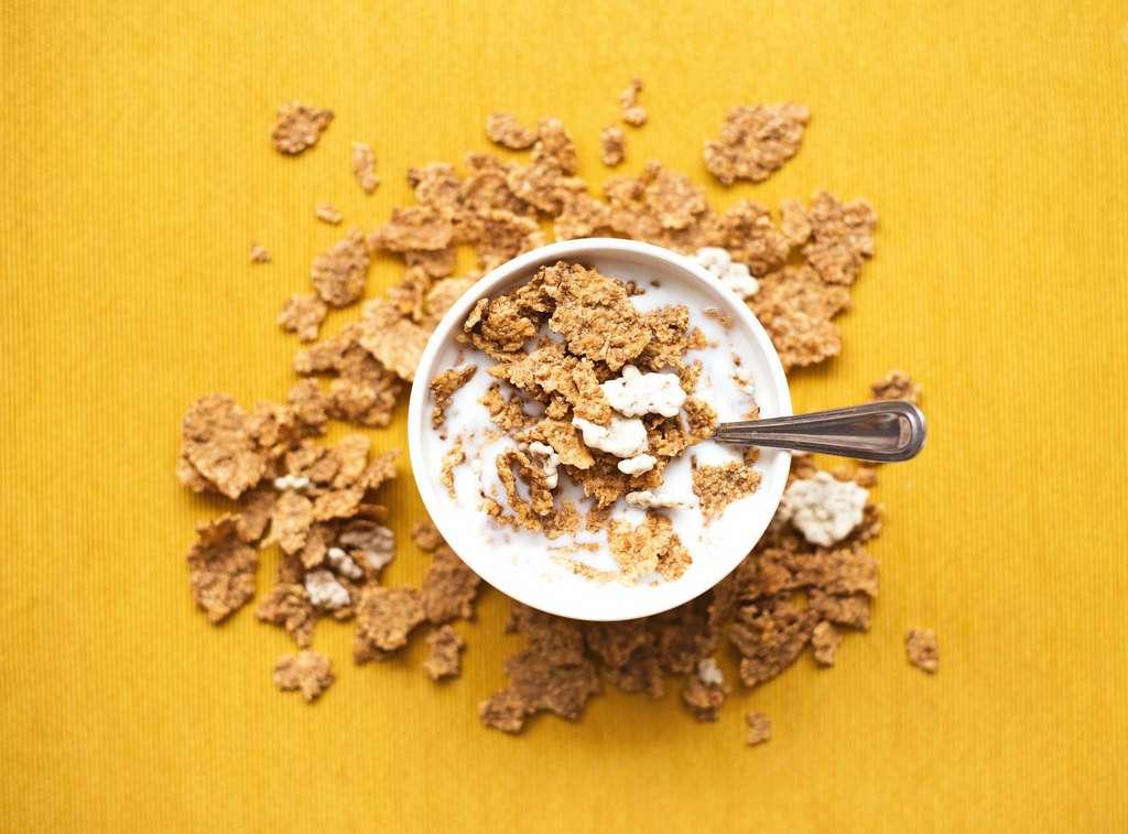 Les céréales du petit déjeuner sont des aliments ultratransformés. © Nyana Stoica, Unsplash