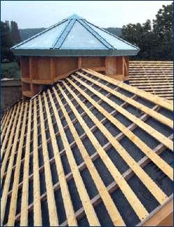 L'écran de sous-toiture est indispensable pour une bonne protection du toit. © Source Siplast