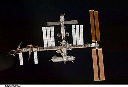 La Station Spatiale Internationale dans sa configuration actuelle, lors de l'approche par la navette Endeavour. Crédit Nasa