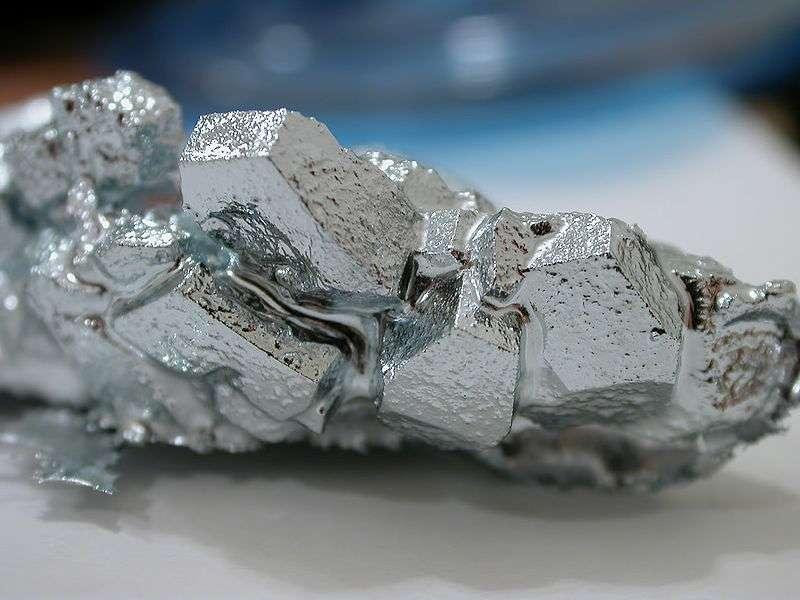 Une fractale naturelle de cristal de gallium