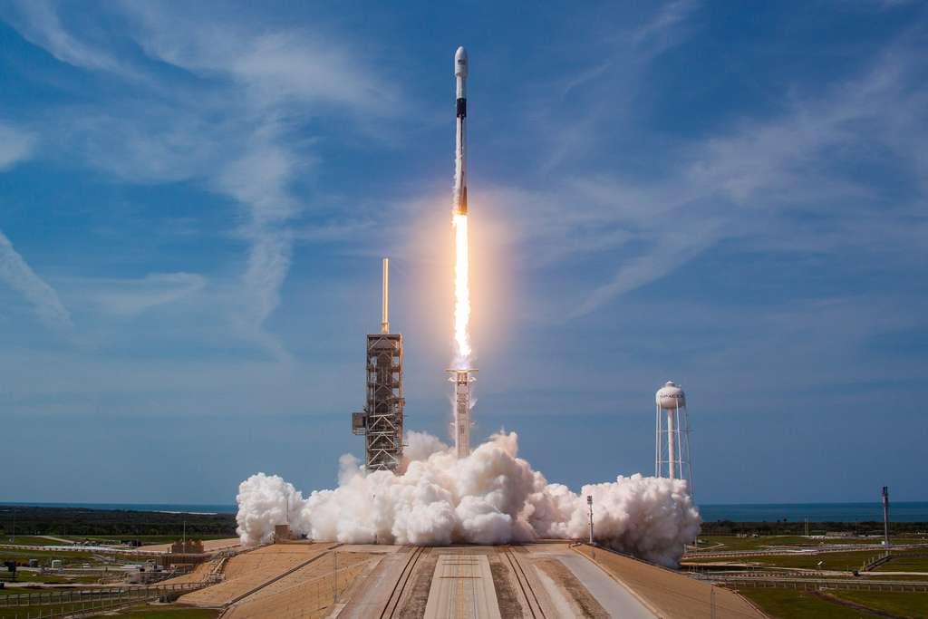 Le lancement d'une fusée nécessite la fermeture de l'espace aérien pendant une heure avant le décollage. © SpaceX