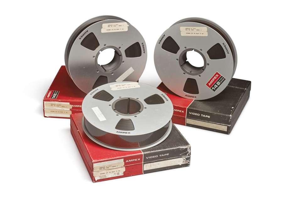 Visionnées pour la dernière fois en octobre 2008, les vidéos ont été jugées en parfait état. Elles ont ensuite été numérisées. © Sotheby's