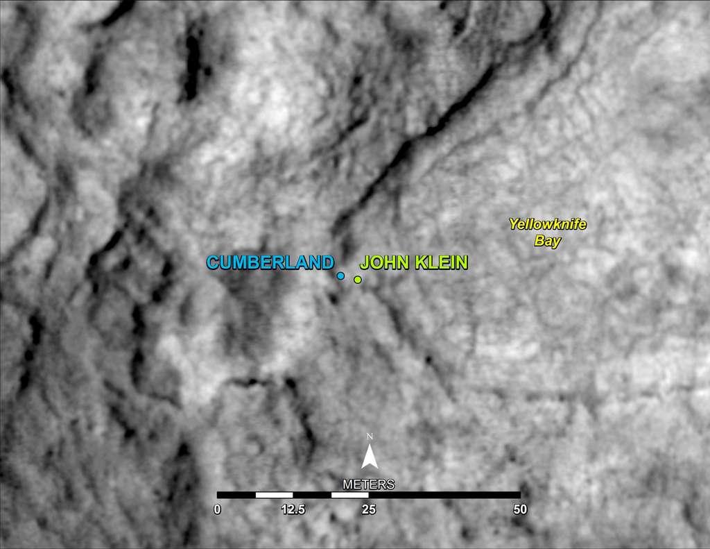À l'issue d'un second forage martien, sur la roche nommée Cumberland (à l'image), le rover Curiosity se dirigera vers le Mont Sharp, qui culmine à 5 kilomètres d'altitude sur Mars. © University of Arizona, Caltech, JPL, Nasa