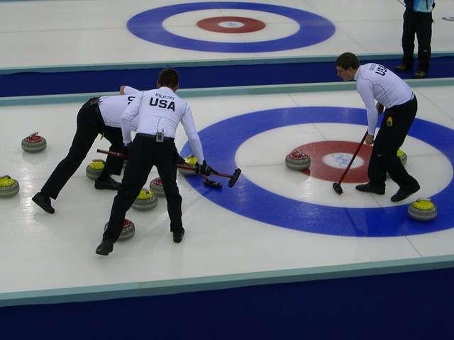 Une épreuve mixte de curling sera pour la première fois disputée aux Jeux olympiques de Pyeongchang. © Skeeze, Pixabay