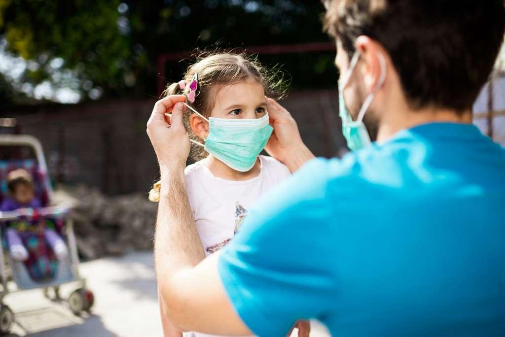 Les enfants ne semblent pas être les principaux propagateurs du virus de la Covid-19 contrairement à ce que l'on a pu penser. © SanyaSM, IStock.com