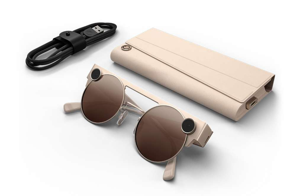 Sunglasses, here in Mineral (light pink), are equipped with a second HD camera to capture the depth of the field.  © Snap
