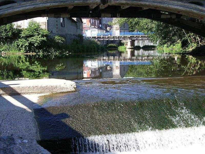 L'Oise à Hirson. La ville est également arrosée par le Thon et le Gland. © Bodoklecksel, cc by sa 3.0