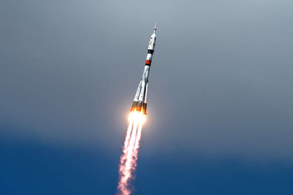 Lanceur Soyuz MS-16, le 9 avril 2020, avec à son bord trois nouveaux passagers pour la Station spatiale. © Nasa, GCTC, Andrey Shelepin