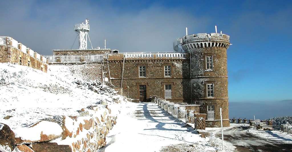 L'Observatoire météo du mont Aigoual (1567 m). © Aigoual, Wikimedia commons, DP