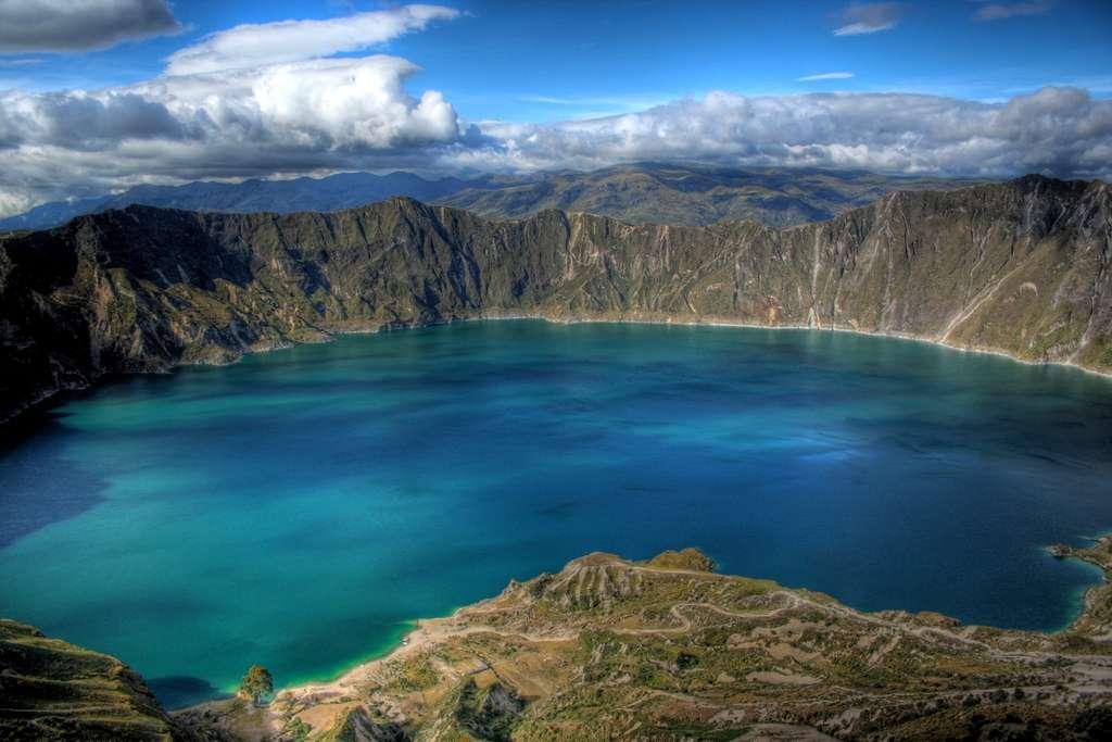 Le lac au fond du cratère du Quilotoa