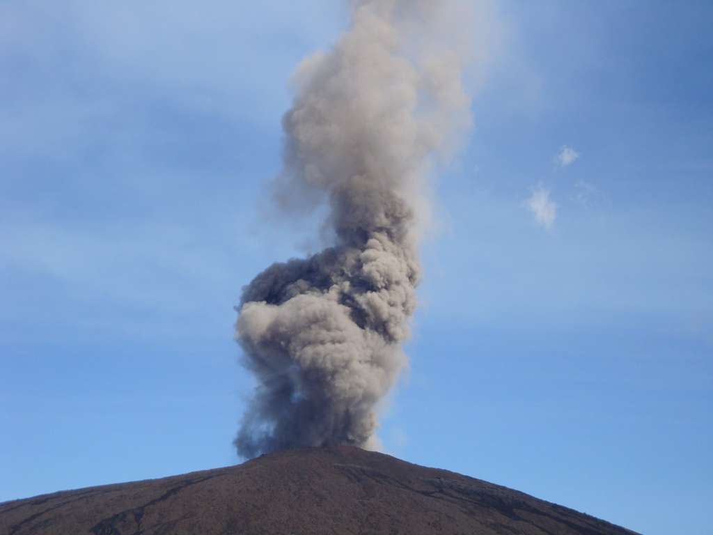 Le Piton de la Fournaise, le 2 janvier 2010, commençait une éruption d'une dizaine de jours. © Catherine Delattre, Futura-Sciences