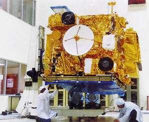 L'Inde réussit à maintenir un programme spatial ambitieux dans un pays où près de 240 millions des habitants vivent avec moins d'un dollar par jour. A l'image, le satellite de télécommunication Insat-2E. © Isro