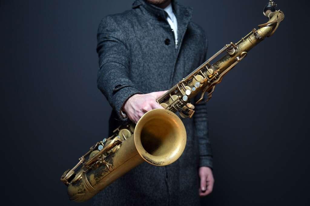 Les saxophones sont généralement constitués de laiton. © Unsplash, Pixabay, DP