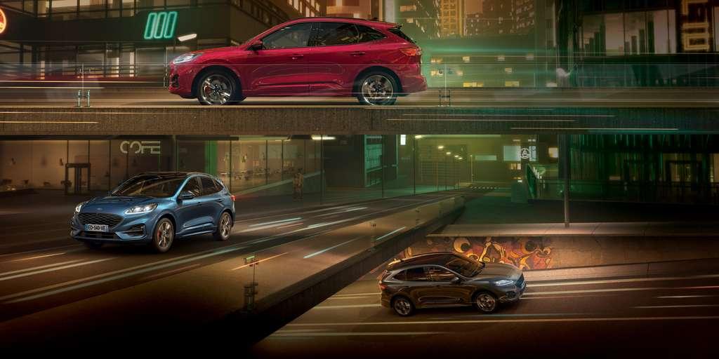 Le Kuga PHEV est un hybride rechargeable. Avec sa batterie de grande capacité, le SUV peut se déplacer sur près de 68 km en milieu urbain à la seule force de sa motorisation électrique. © Ford