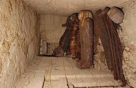 Sarcophages. © Photos Christian Décamps / Mission archéologique du Louvre à Saqqara