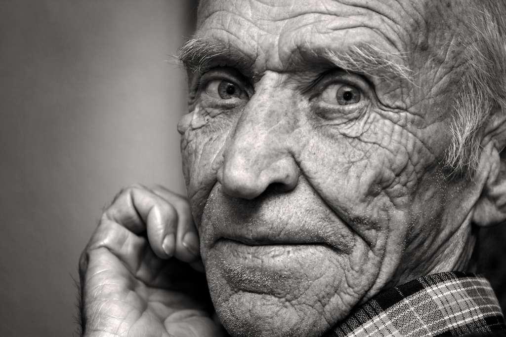 L'être humain aurait une limite biologique établie entre 120 et 150 ans. © Saltov, Adobe Stock