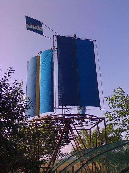 Éolienne à axe vertical et à voilure tournante. © Tiho42, Wikimédia CC by-sa 3.0