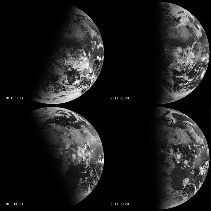 À gauche : la Terre lors des deux solstices. À droite : la Terre lors des deux équinoxes. Pour ceux-ci, on constate que les deux hémisphères sont éclairés de la même façon. Images du satellite Meteosat-9 prises en 2011. © Eumetsat