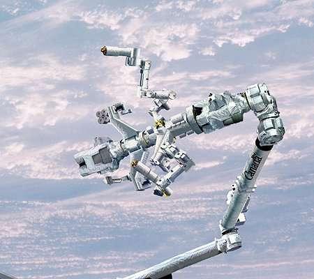 Dextre installé à l'extrémité du Canadarm 2. Crédit Agence spatiale canadienne