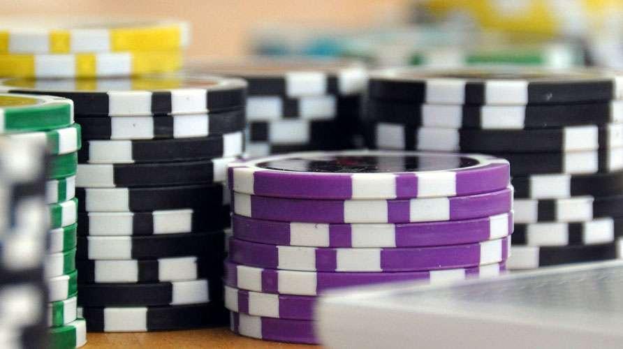 Jetons de poker. © Fielperson, Pixabay, Domaine Public