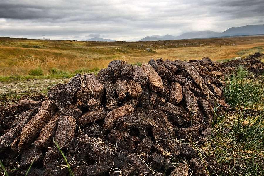 Récolte de tourbe. © Aurelien Fotolia